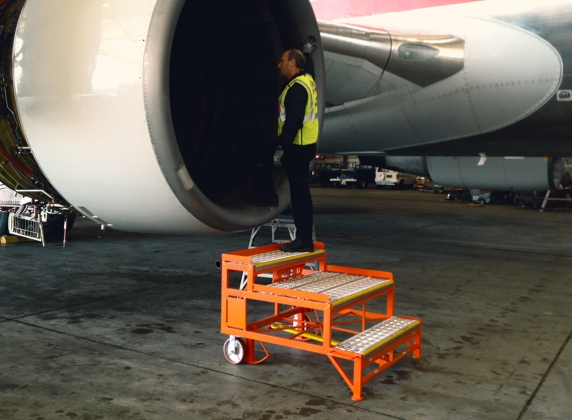 737 Belly Access Stand #20108