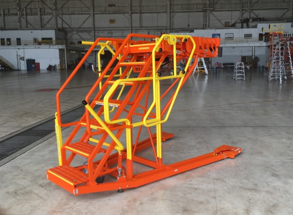 787 Adjustable Wheel Well Access platform