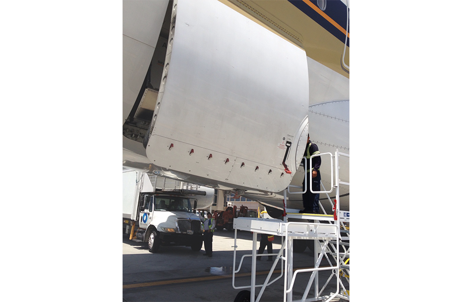 A-380 Compartment Access Stand #20115